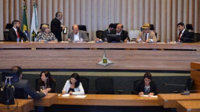 Sindicato defende servidores e novos concursos para a Câmara Legislativa do DF