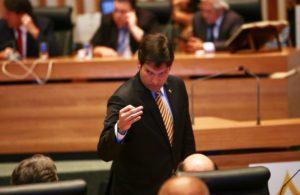 Robério manda Polícia Legislativa lacrar gabinete de sindicalista