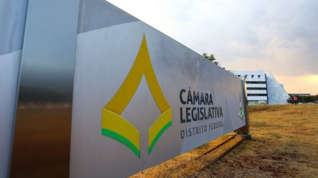 Com desistências, disputa pela presidência da CLDF se afunila