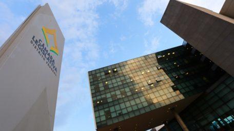 Empresas ligadas a cinco distritais abocanharam R$ 2,7 bilhões do GDF