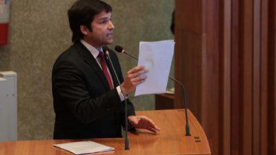 Na Câmara Legislativa, Robério ataca Júlia e recebe resposta à altura