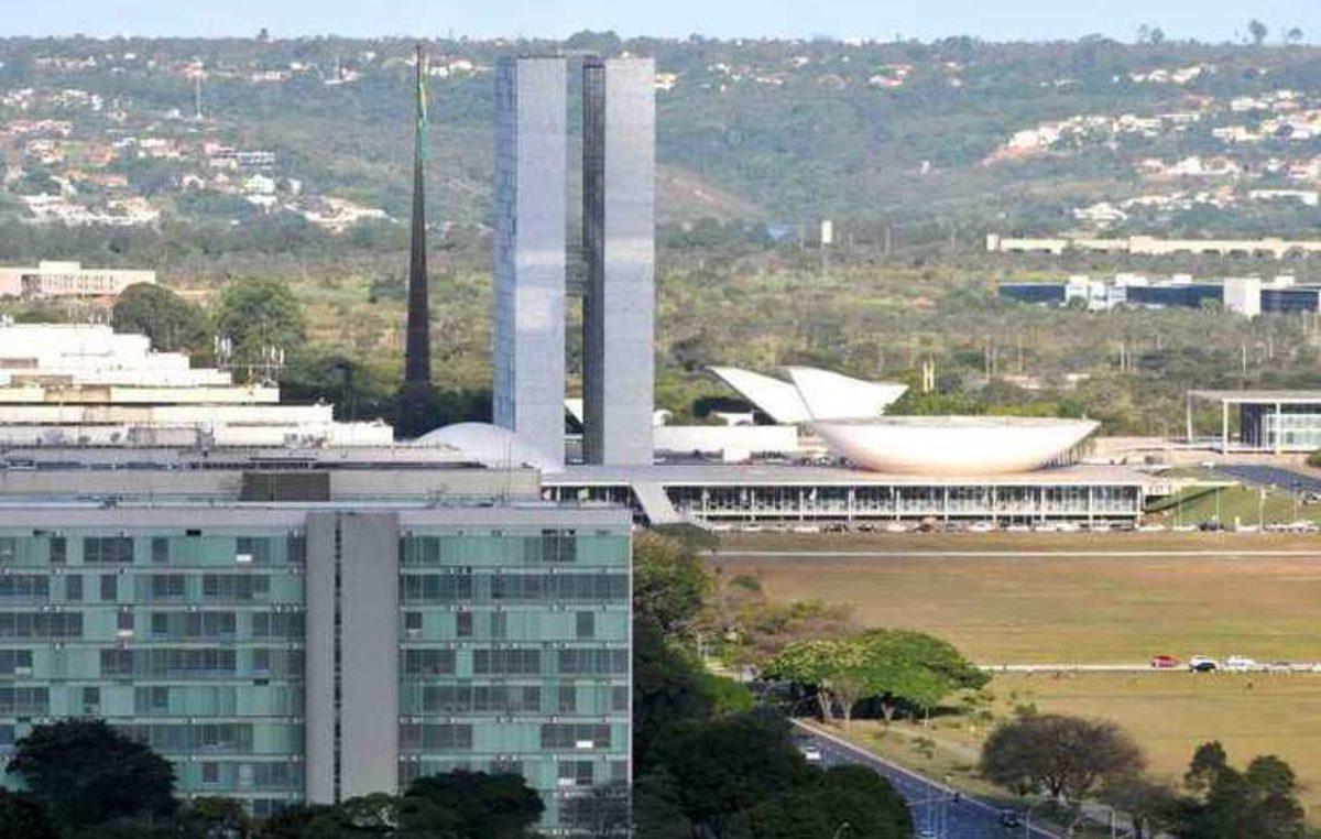 Atuais servidores serão imediatamente prejudicados pela Reforma Administrativa