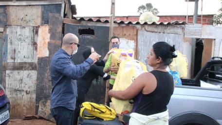 Sindical ajuda vítimas de incêndio na Estrutural