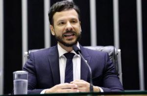 """""""Estabilidade faz serviço público ser prestado de forma correta"""", defende Professor Israel"""